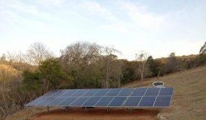 sistema fotovoltaico de solo pequeno